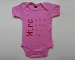 Personaliserte Geschenke zur Geburt: Body mit Namen