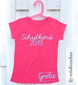 Geschenke zur Einschulung: Schulkind T-Shirt mit Namen