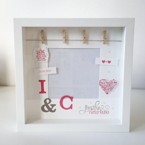 Hochzeitsgeldgeschenk: Bilderrahmen mit Initialen des Brautpaars