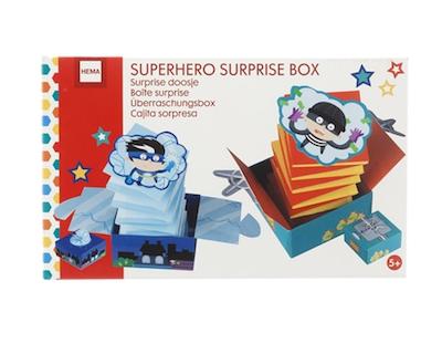 Wichtelgeschenkidee für Kinder unter 5 Euro: Superhelden-Bastelset