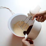 Butter-Schoko-Mix hinzugeben...