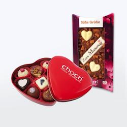 Geschenkidee für Mama: individuelle Schokolade oder Pralinen