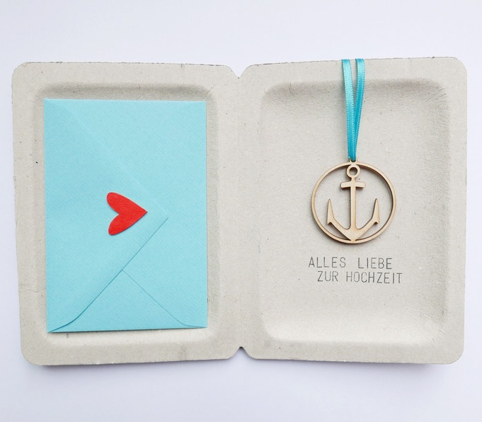 Maritimes Geldgeschenk: Geschenkbox mit goldenem Anker