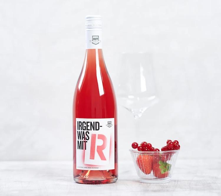 Lustiges Wichtelgeschenk mit R: Irgendwas mit R Wein